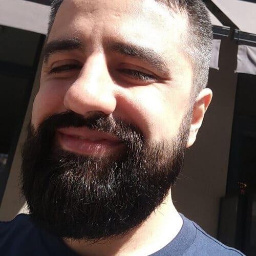 Gay passif et barbu c'est moi!